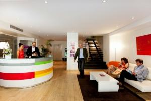 centre-d-affaires-opera-accueil-clients-44-660x660